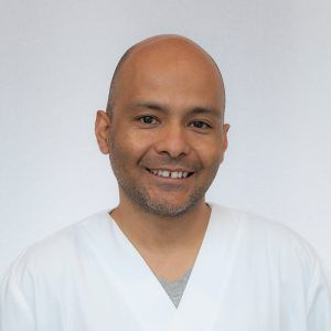 Rafael García odontólogo en instituto dental campos a guarda